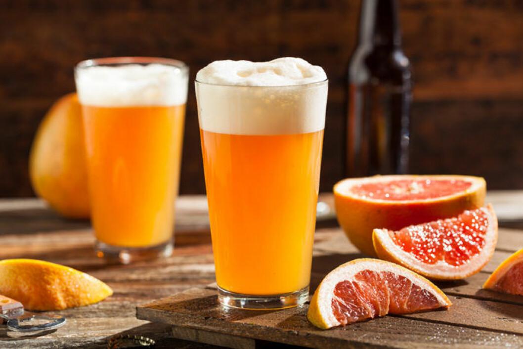 Suröl med grapefrukt. Foto: Shutterstock
