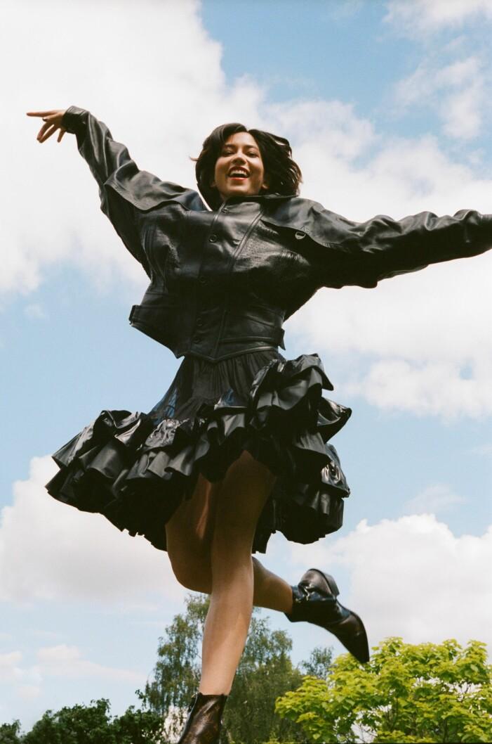 Svart outfit i läder från Louis Vuitton