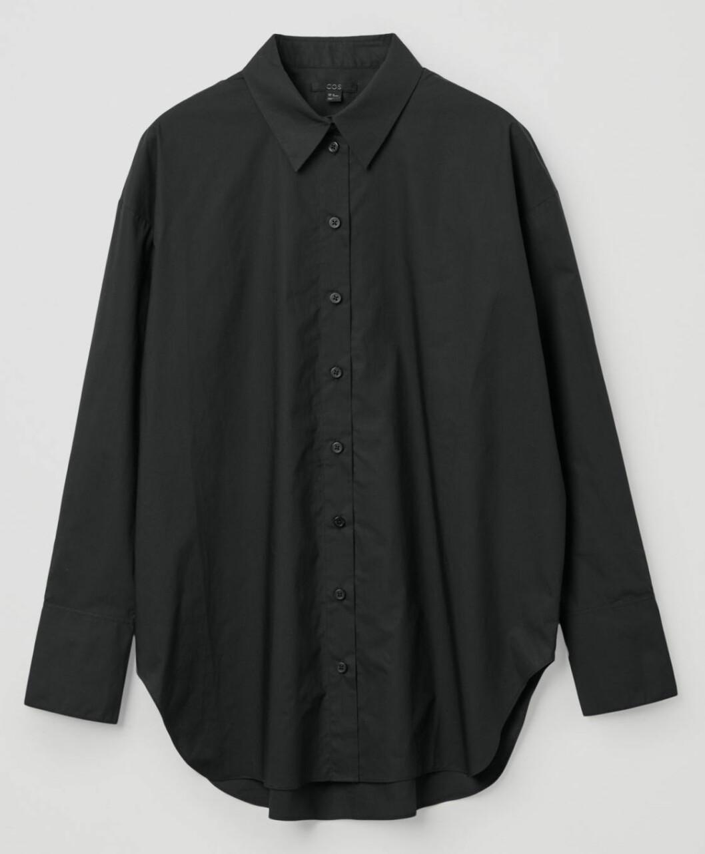 svart skjorta från cos.