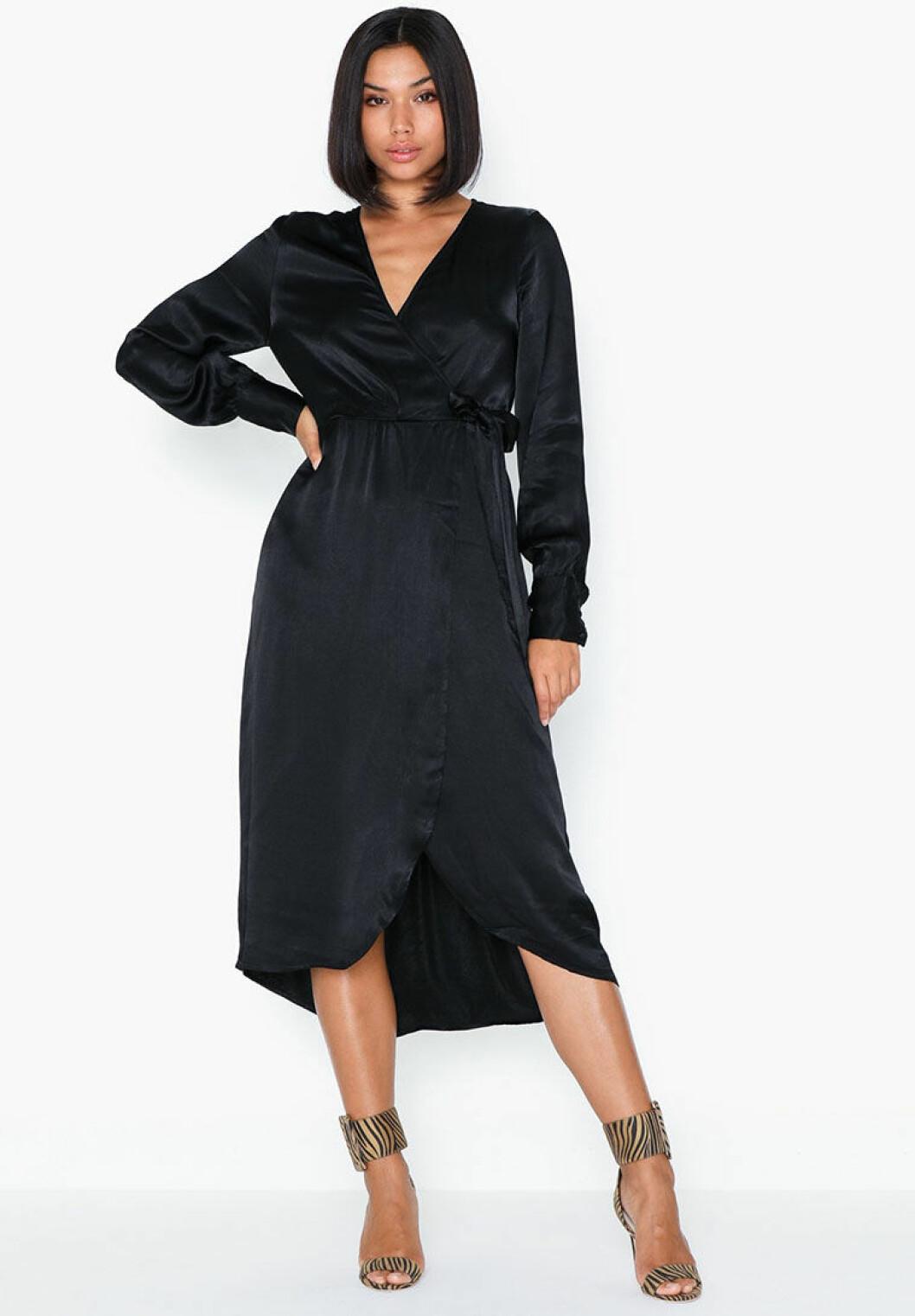 svart-omlottklanning-vero-moda