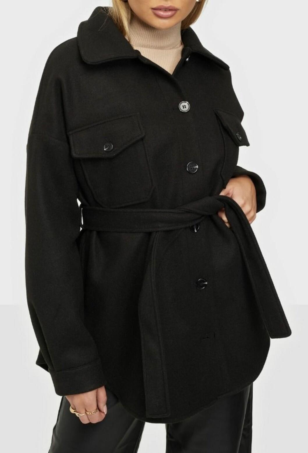 svart skjortjacka från nelly