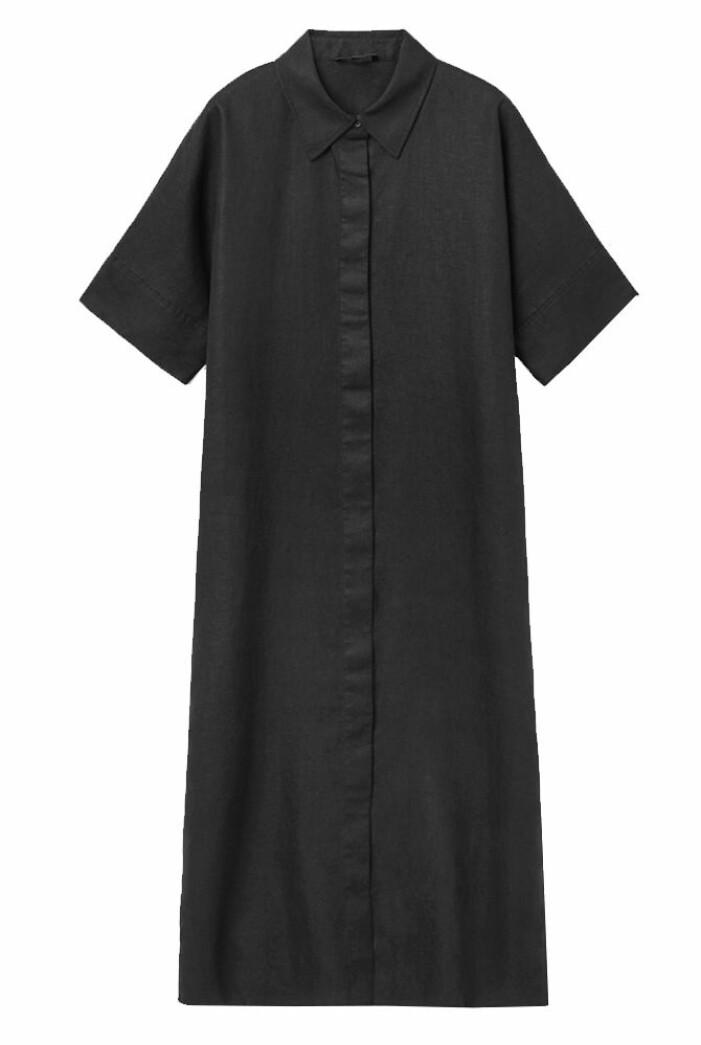 svart skjortklänning i linne