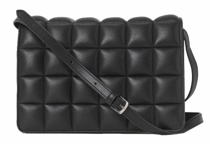 svart bubblig väska från H&M