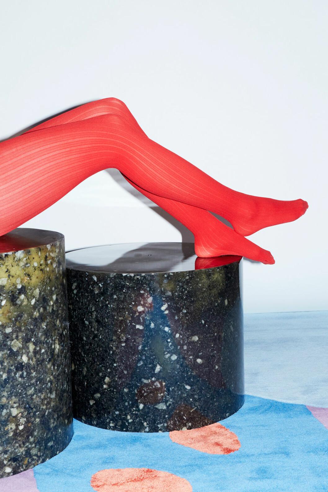 Sommarens inredningsnyheter recycling swedish stockings table