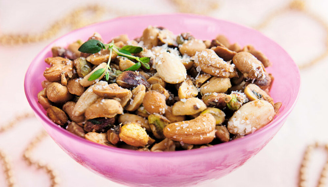 Sötstarka rostade nötter.