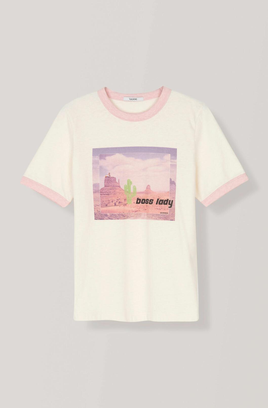 Skön T-shirt med tryck från Ganni.