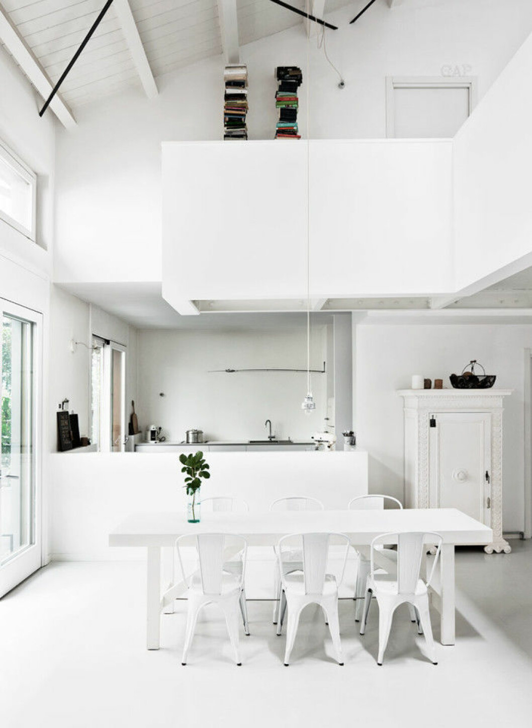table_white_dining_room_bord_vitt