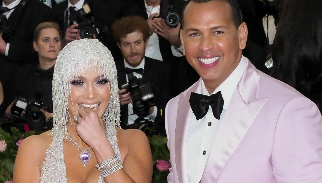 Vita tänder som J.Lo? Här är tandblekningen för hemmabruk.