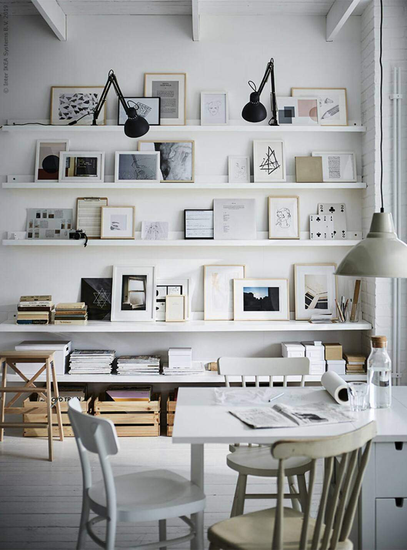 Tavelvägg med tavellister från Ikea