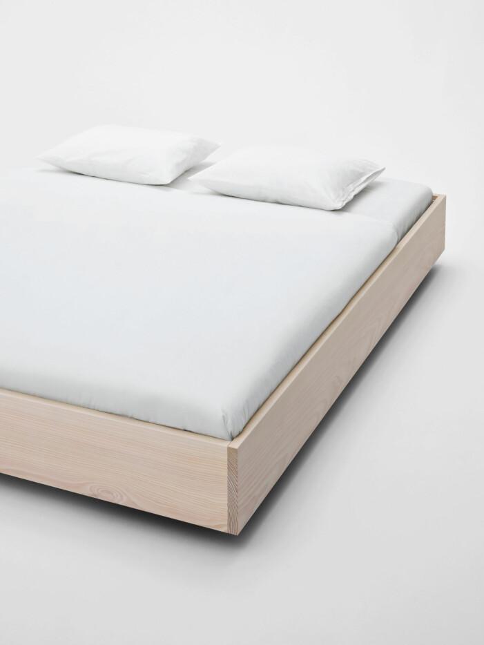Säng The floating bed från Tekla