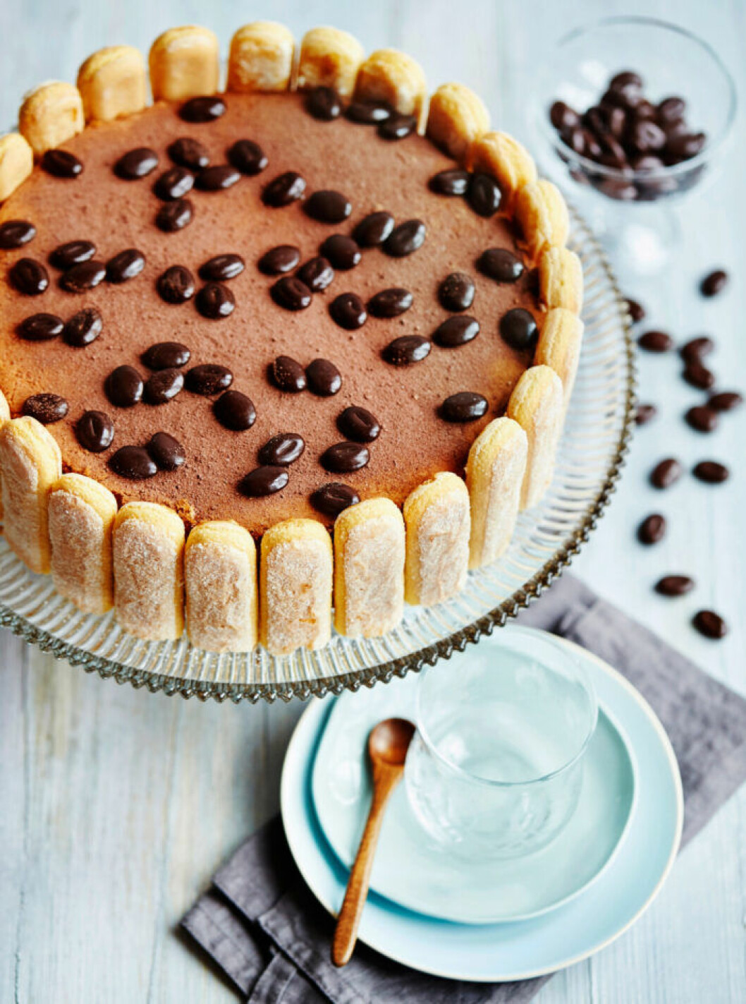 Recept på tiramisutårta med chokladkaffebönor