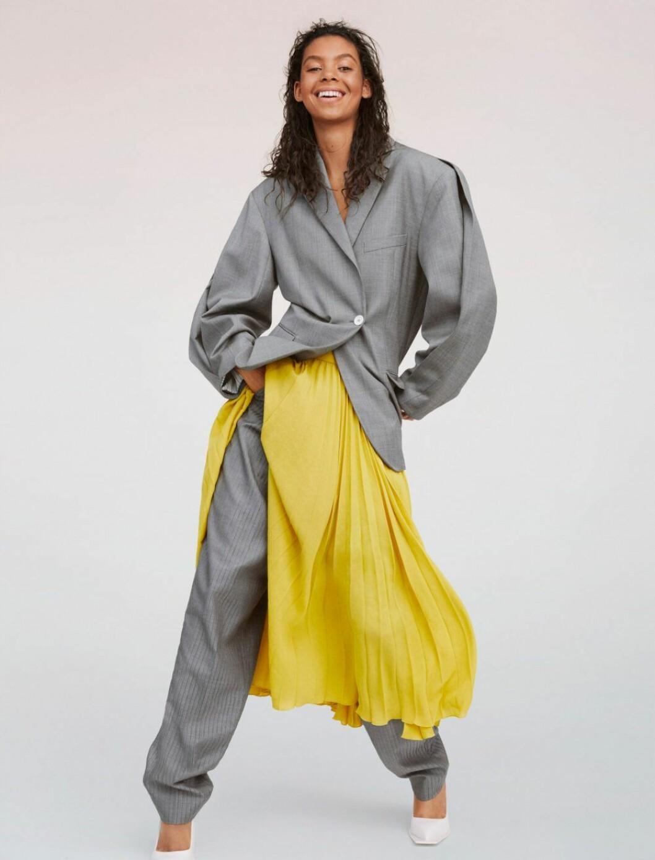 Grå kostym med en gul färgklick – hösten 2019 är ton i ton den största trenden