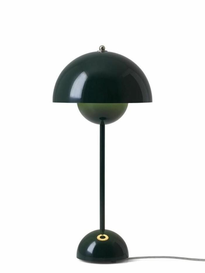 Bordslampa Flowerpot från &Tradition är en stilsäker designklassiker