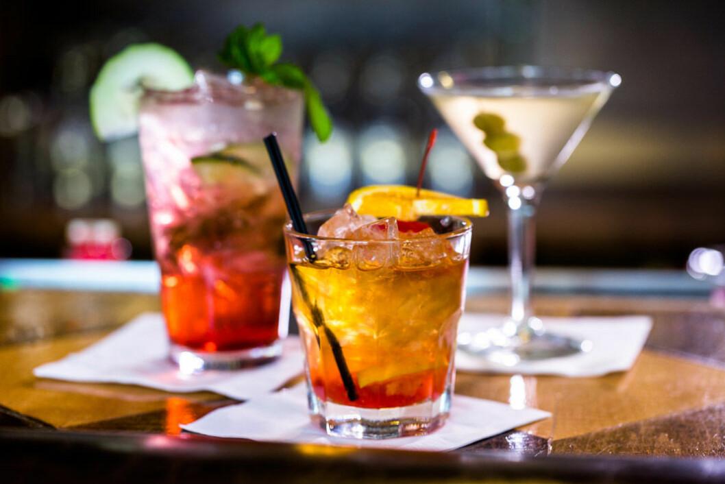 Klassiska drinkar som Old Fashioned och Dry Martini. Foto: Shutterstock