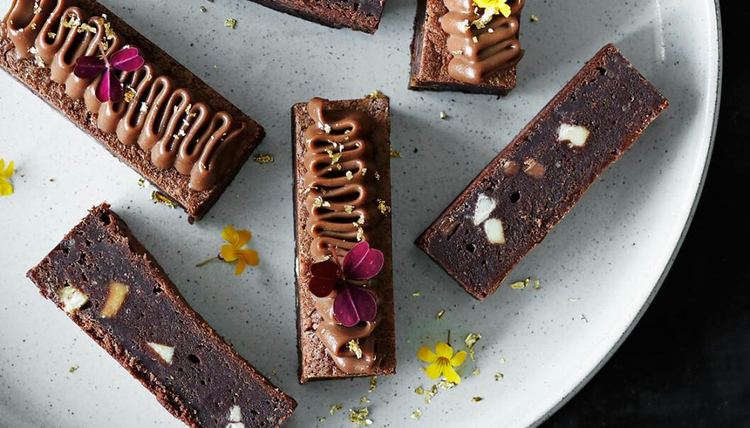Recept på brownie med kaffe- och mjölkchokladkräm