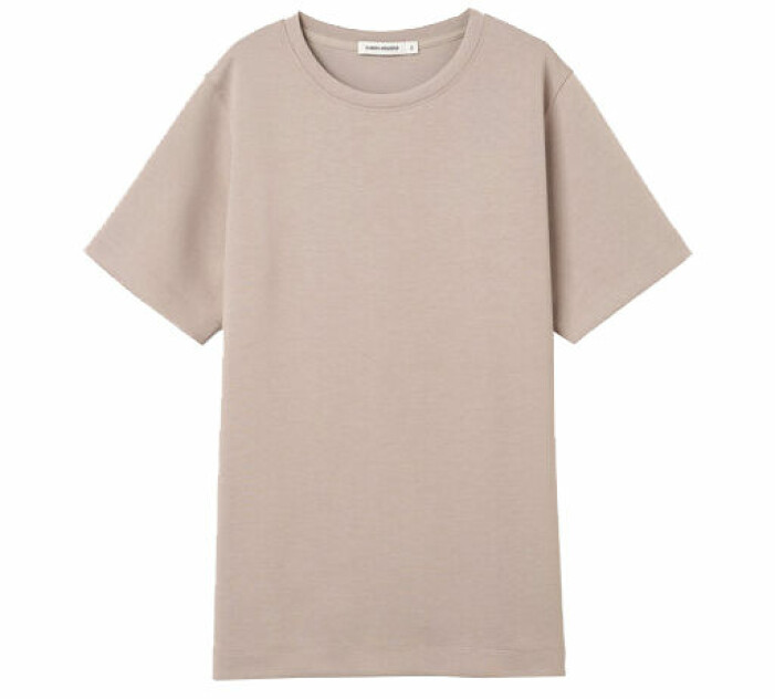 beige tshirt