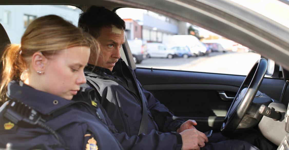 Sara och Magnus i bilen
