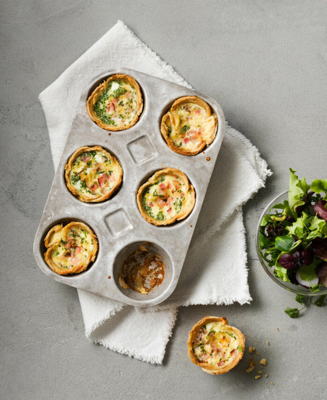Mini-quiche med brödpajdeg.
