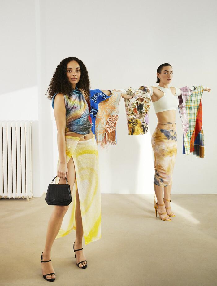 Chanelle har på sig topp och kjol från Acne Studios. Agnes har på sig topp och kjol från H&M