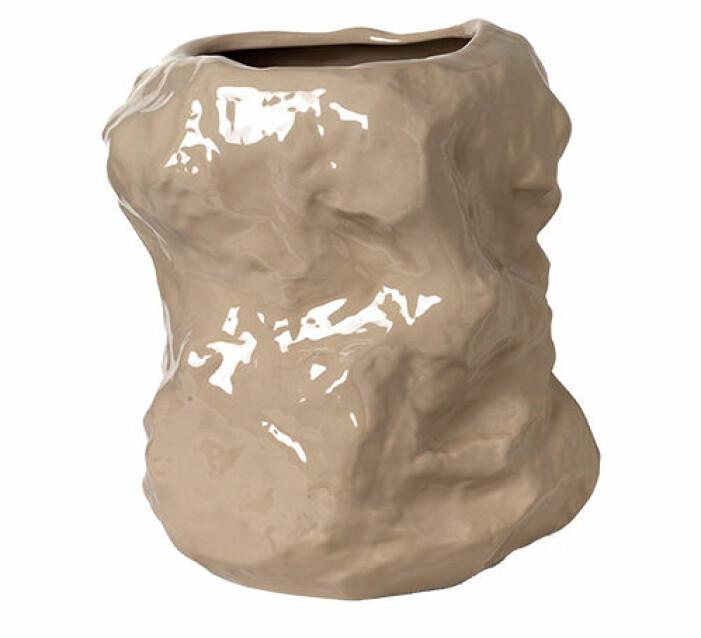 vacker beige vas