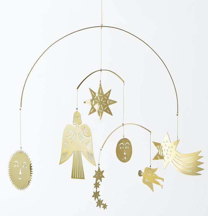 Vackra julmobilen Stjärnfall i mässing, design av Maja Sten för Svenskt Tenn