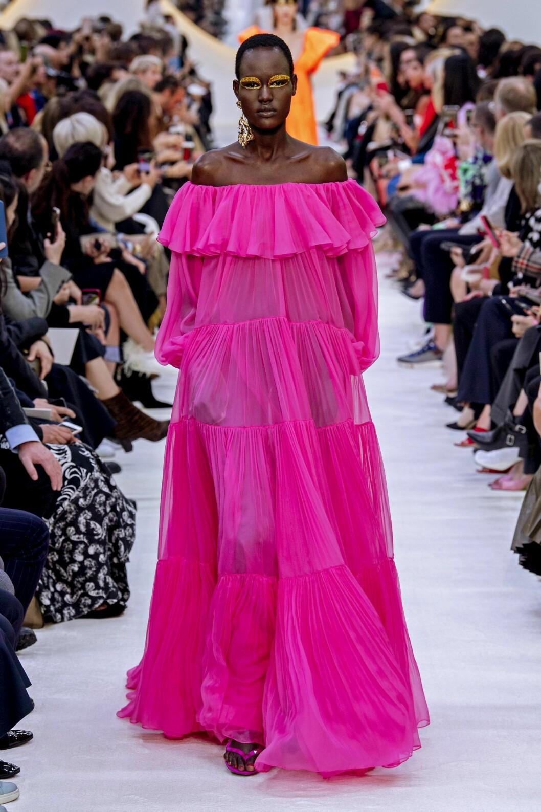 Rosa transparent Valentino klänning