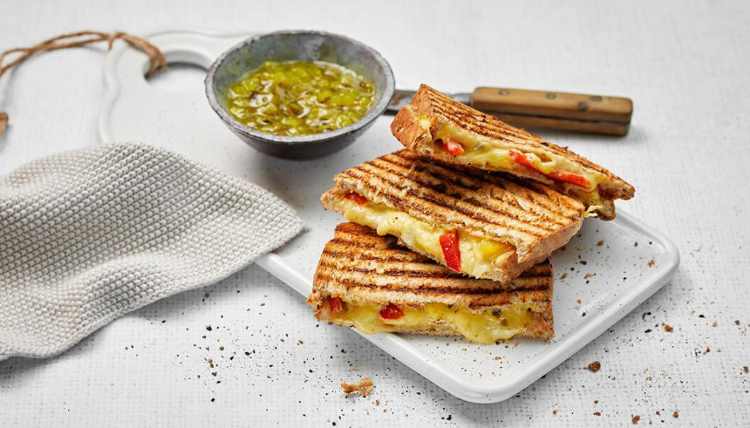 Valio lanserar vegansk ost – smakar och smälter som riktig ost!