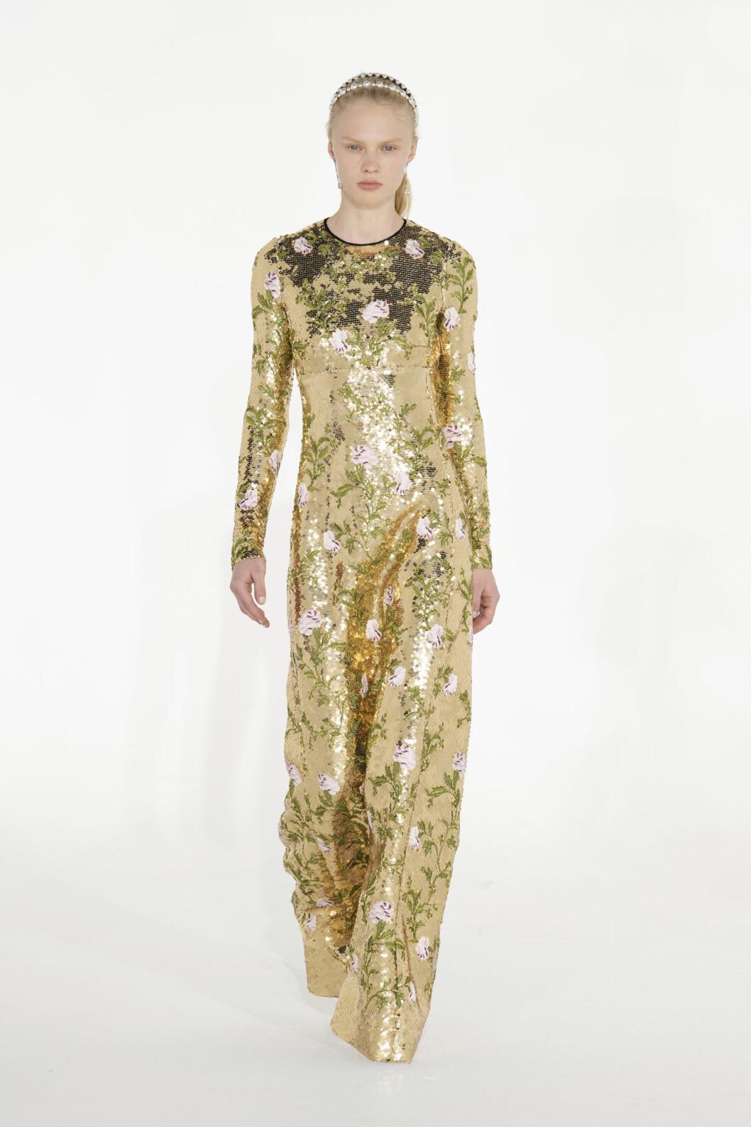 guldig paljettklänning