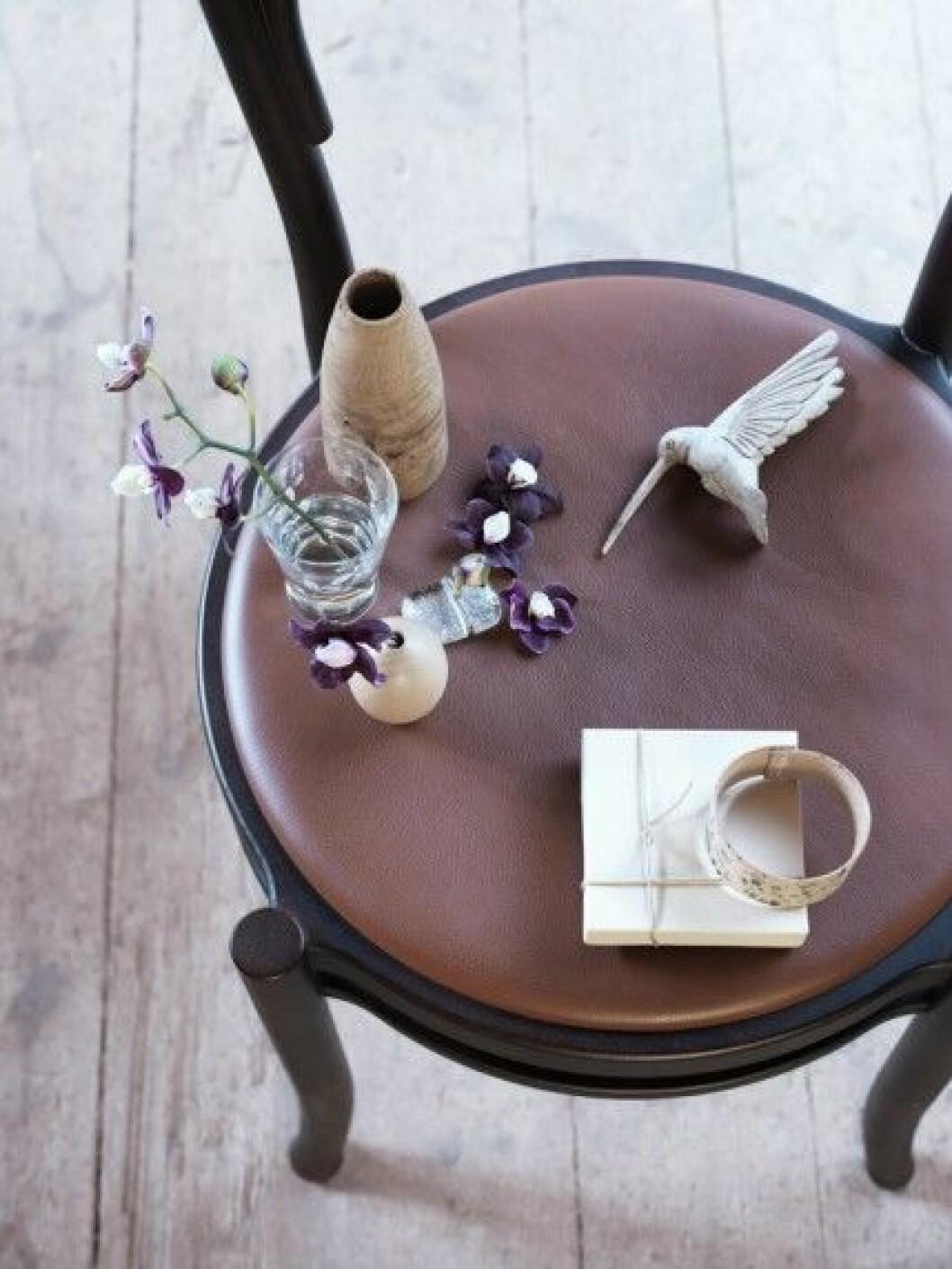 Vårinspiration-inredning-Lo-bjurulf-Stellan-herner-minivaser-smycken-vårpynt