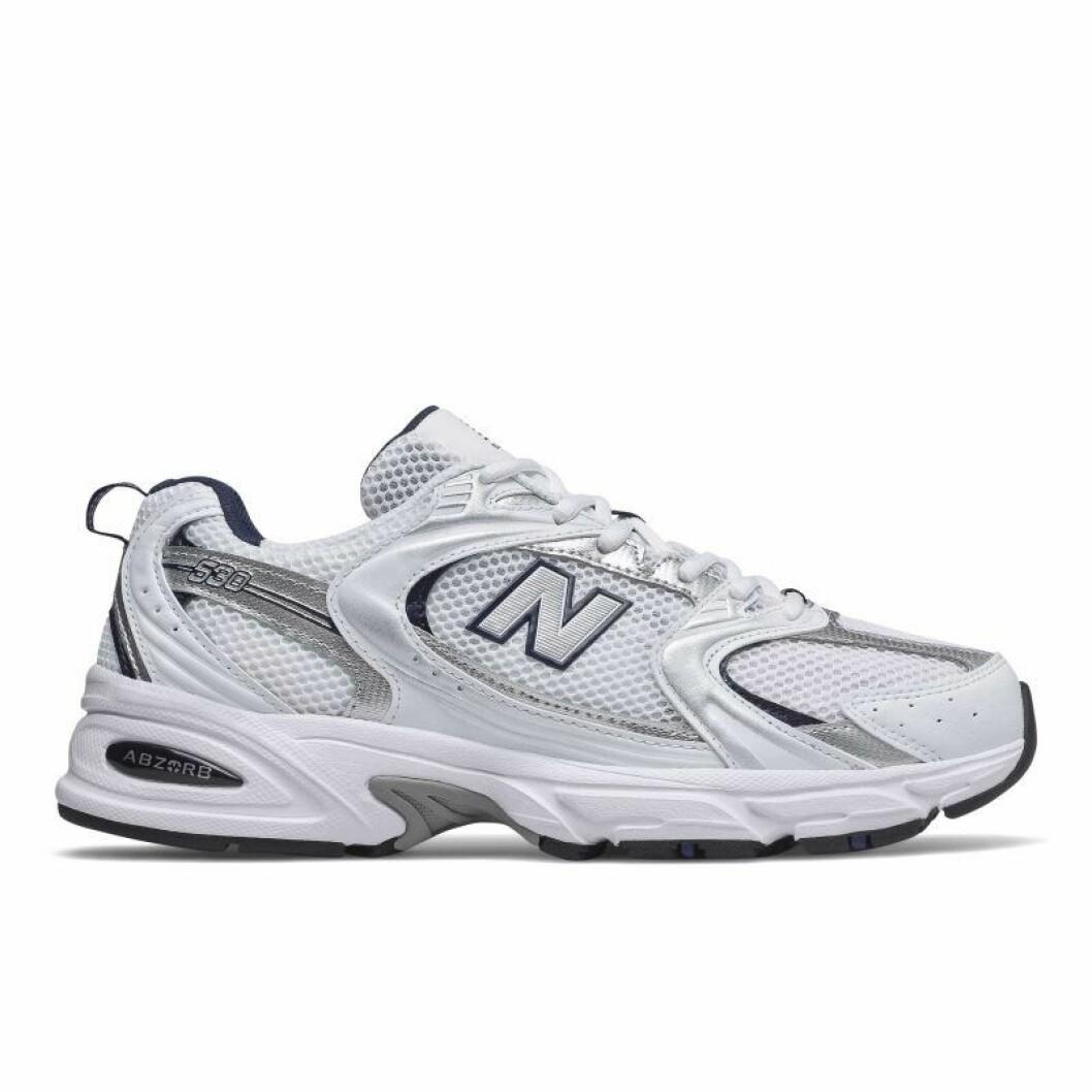Sneaker 530 från new Balance.