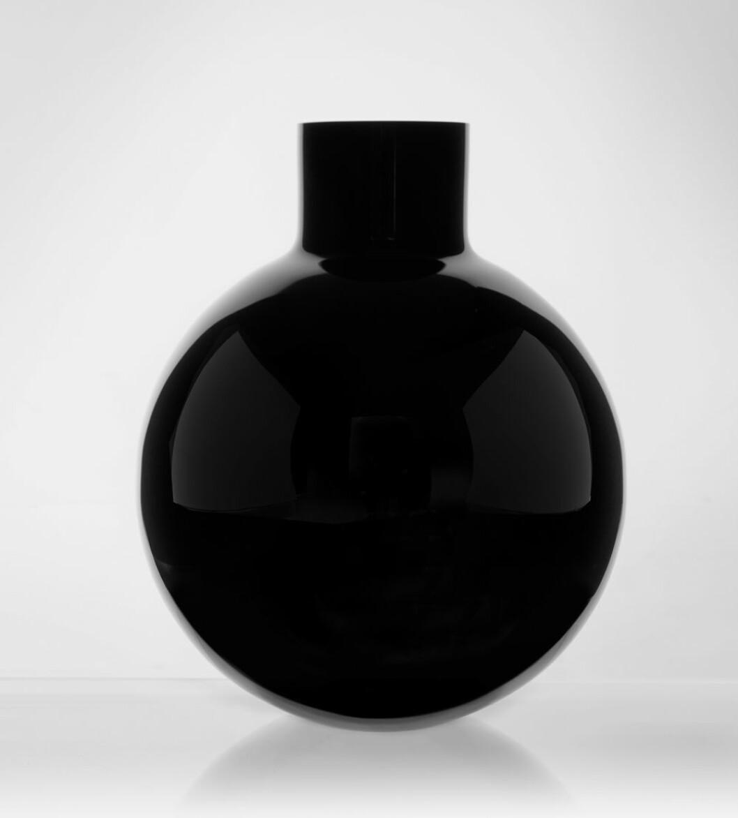Vas från Skrufs glasbruk