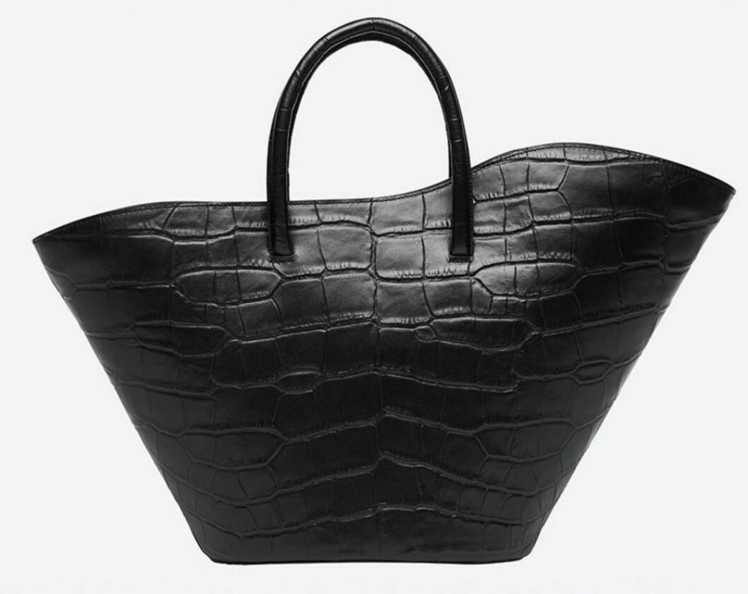 Rymlig svart väska med avtagbar axelrem från Little Liffner