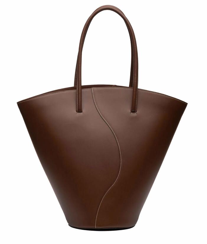 Stor toteväska från Little Liffner i en magisk chokladbrun nyans.