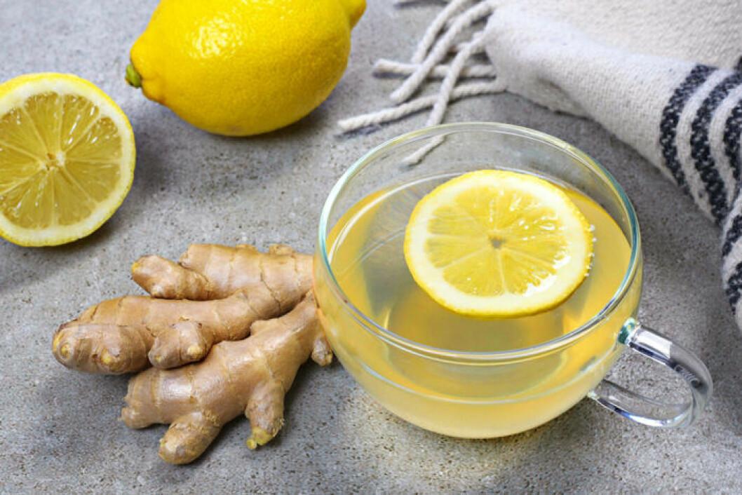 Vatten med ingefära och citron.