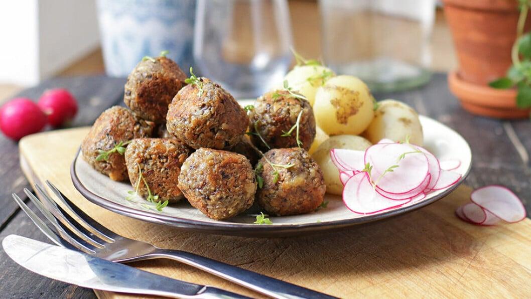 Recept på vegetariska köttbullar med ost och tahini, påskmat