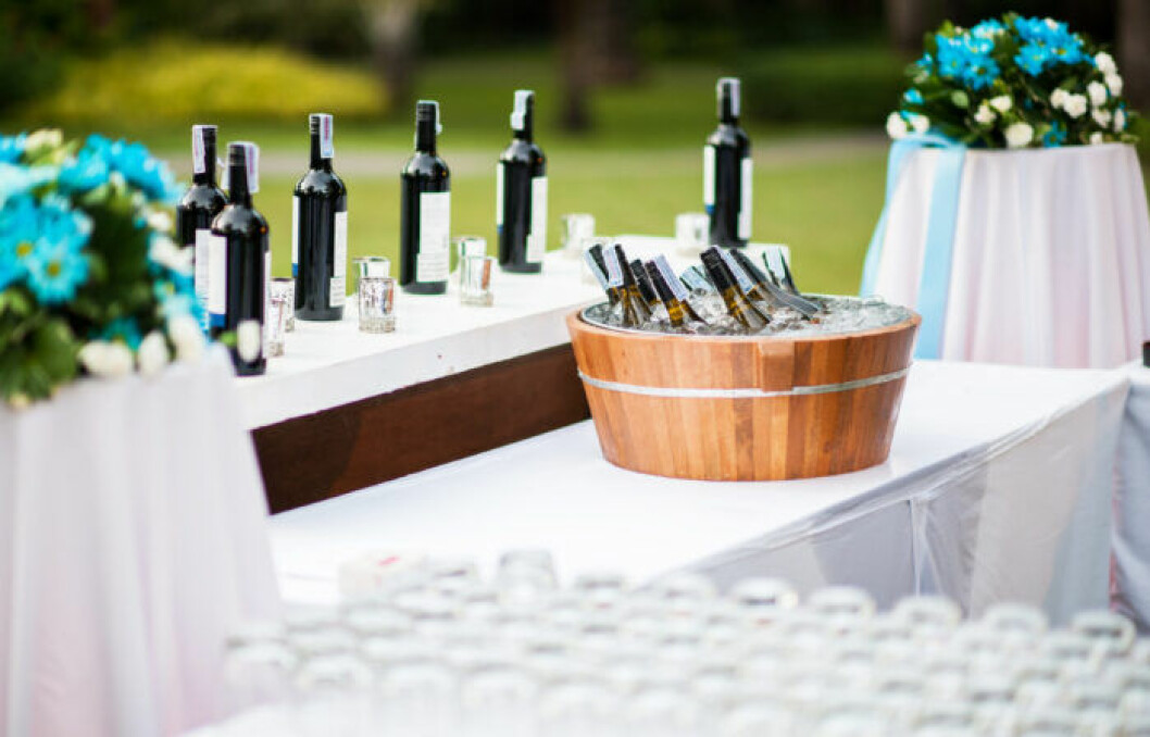 Ettiketter till vinflaskor