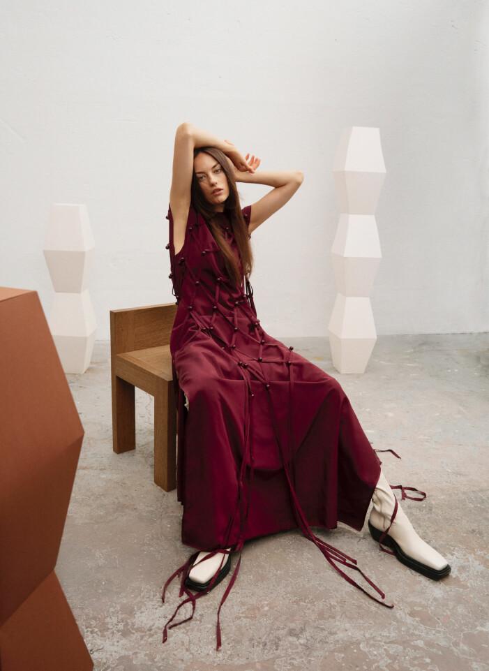 Vinröd klänning från Stella McCartney