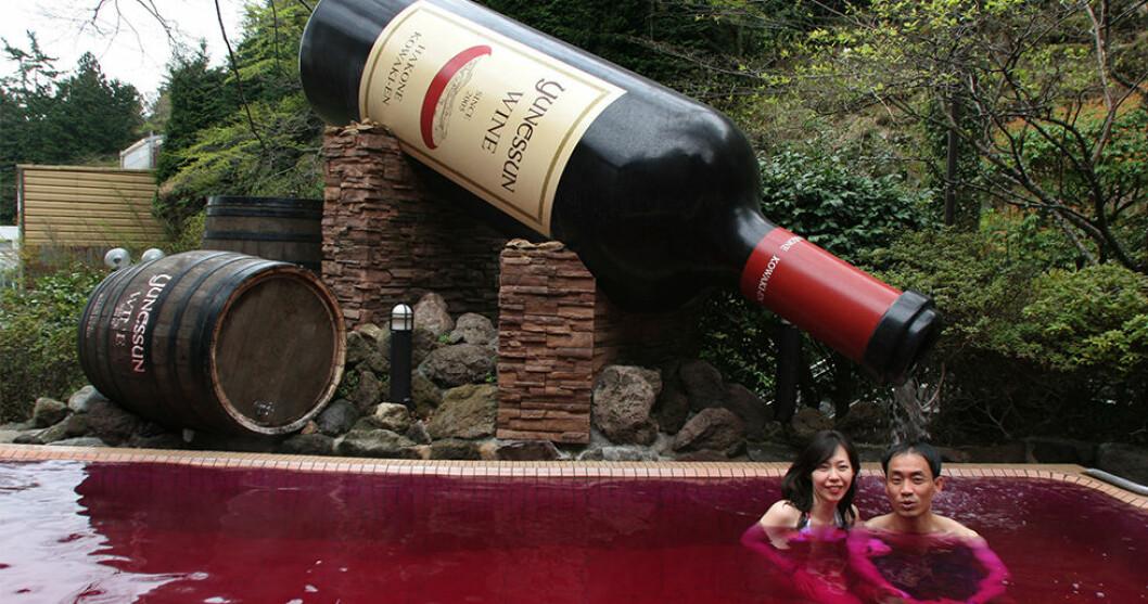 Bada i rödvin på Yunessun Spa Resort i Japan!