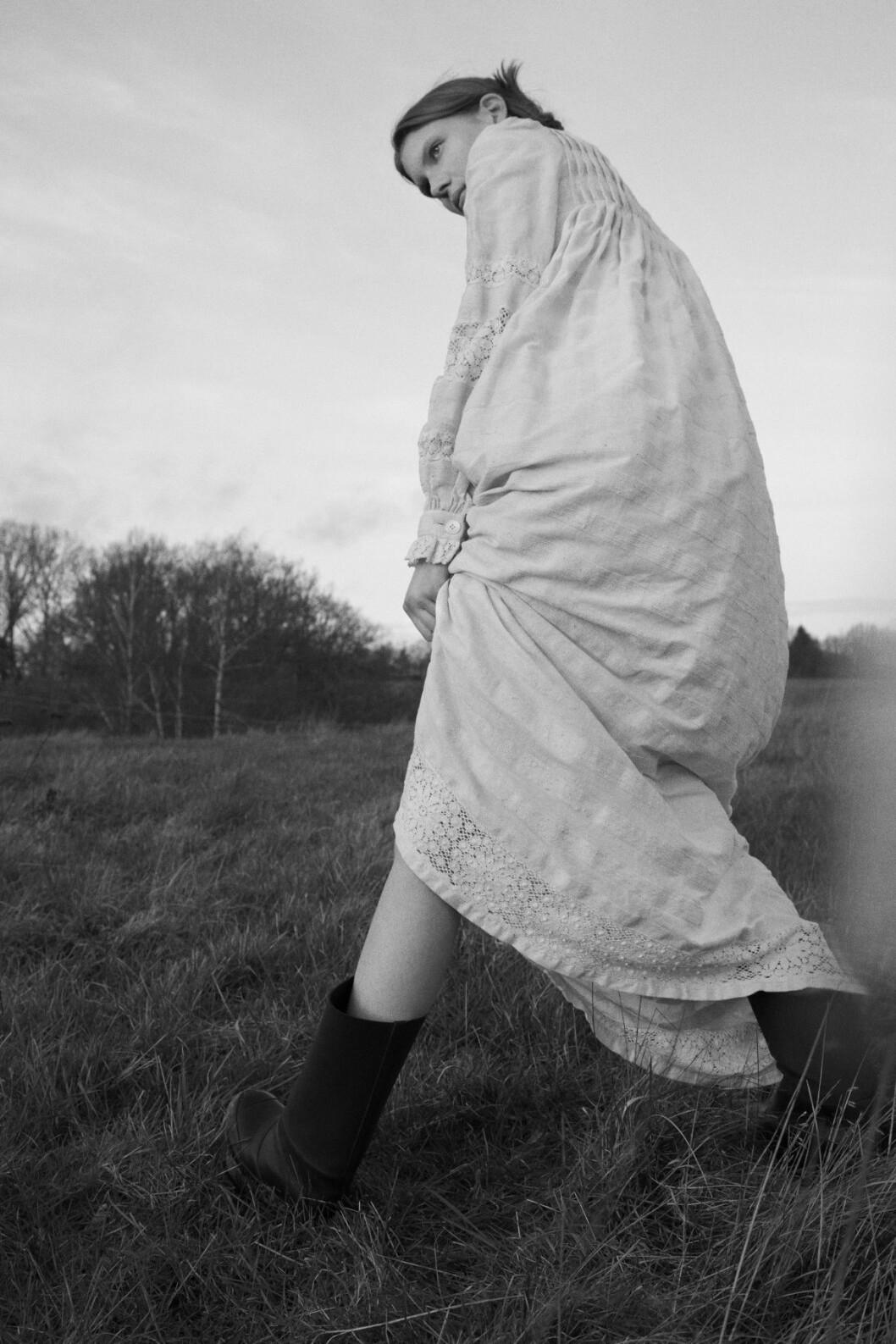 Vintage kläder ELLE 2020 vit lång klänning