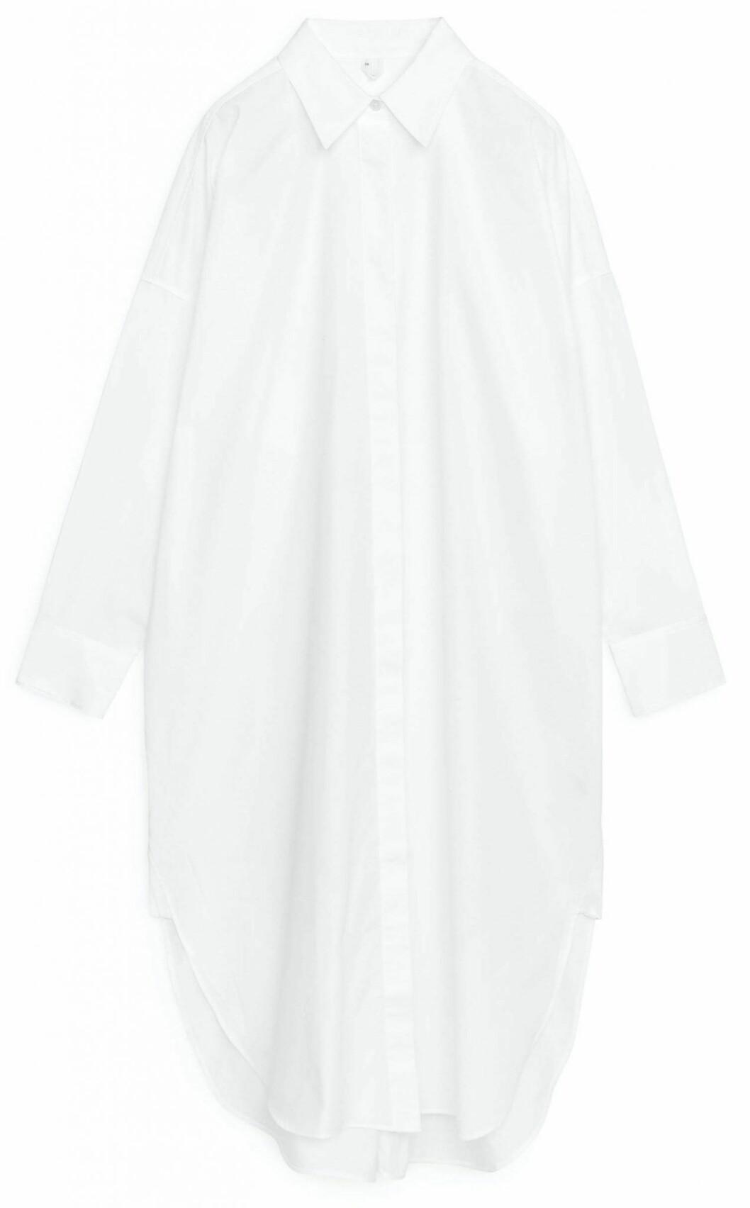 Vit krispig skjortklänning i ekologisk bomull från Arket.