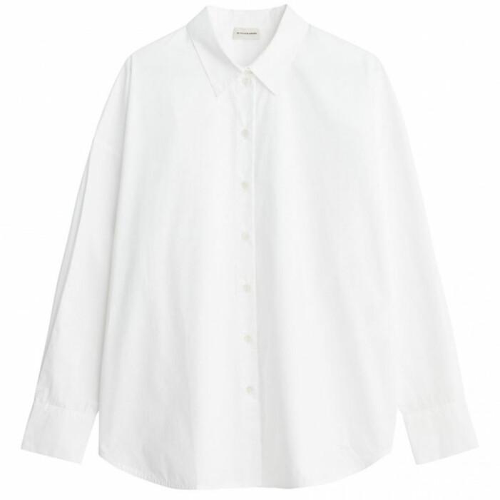 vit skjorta basgarderob dam 2021