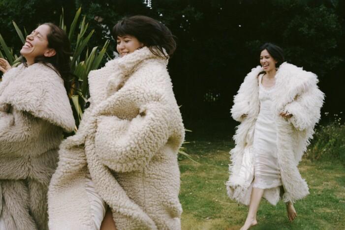 Vita teddykappor från Dolce & Gabbana
