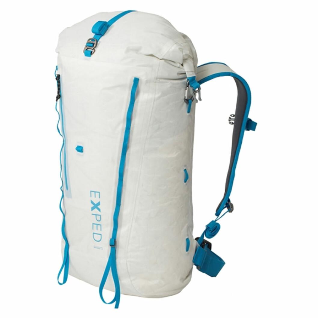 Vit vandringsryggsäck