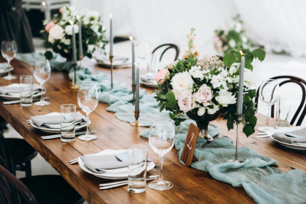Bröllopsdekoration stearinljus i olika färger