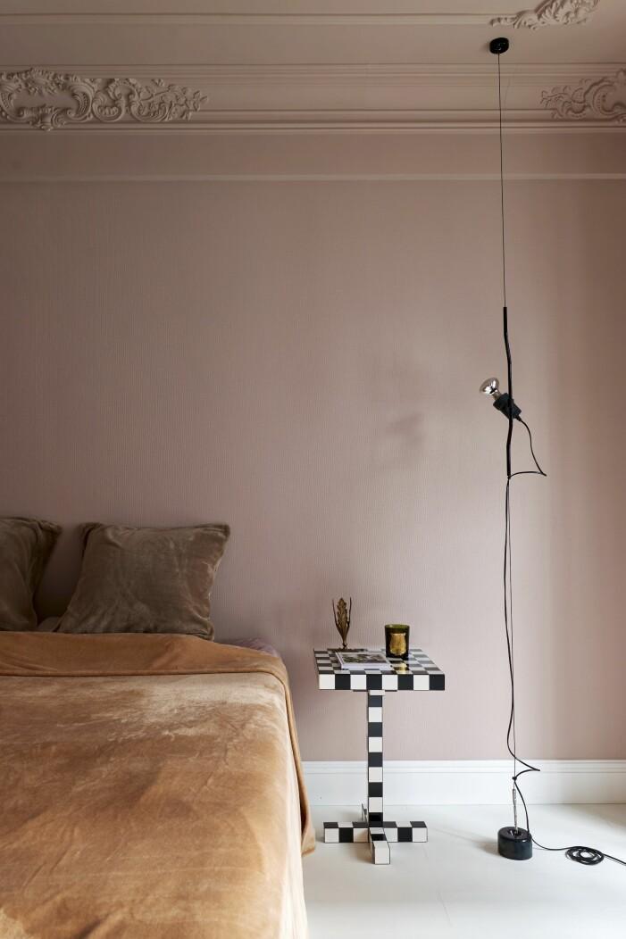 Hemma hos designern Wenbin Lee i Wuhan sovrum