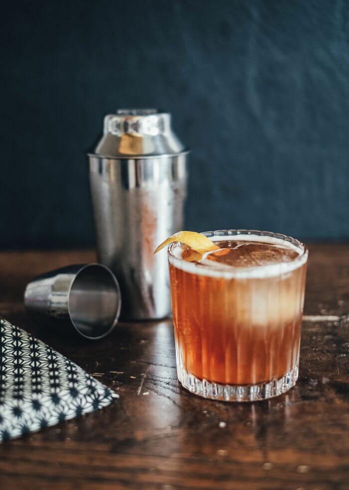 Recept på whisky sour med kanel och lönnsirap