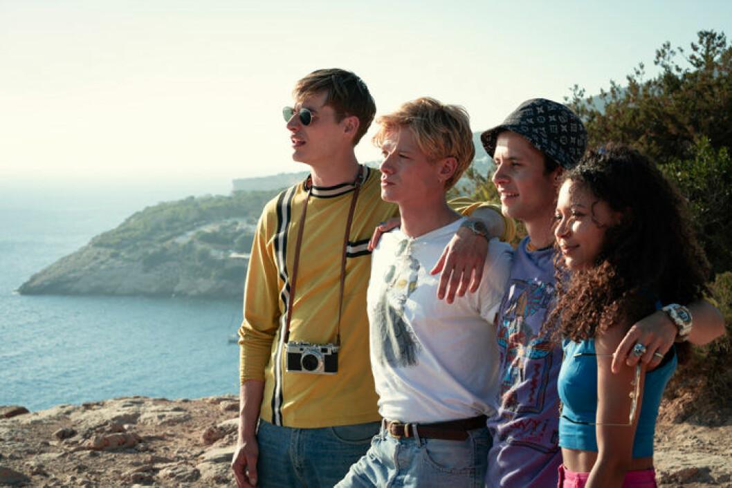 En bild från tv-serien White Lines som har premiär på Netflix den 15 maj.