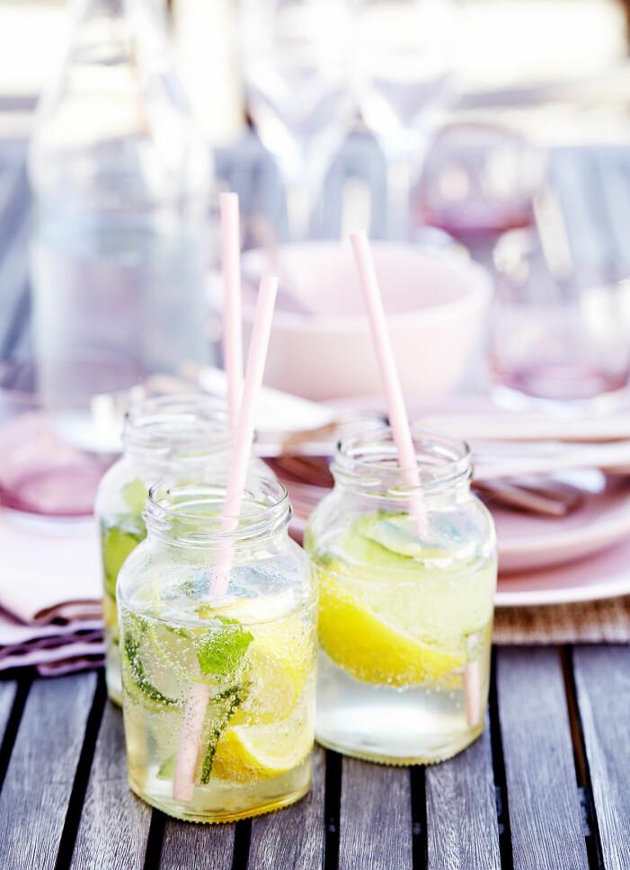 Bjud på wine cooler med mynta, gurka och citron
