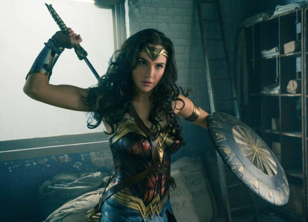 En bild på karaktären Wonder Woman, som spelas av Gal Gadot i filmen Wonder Woman 1984.