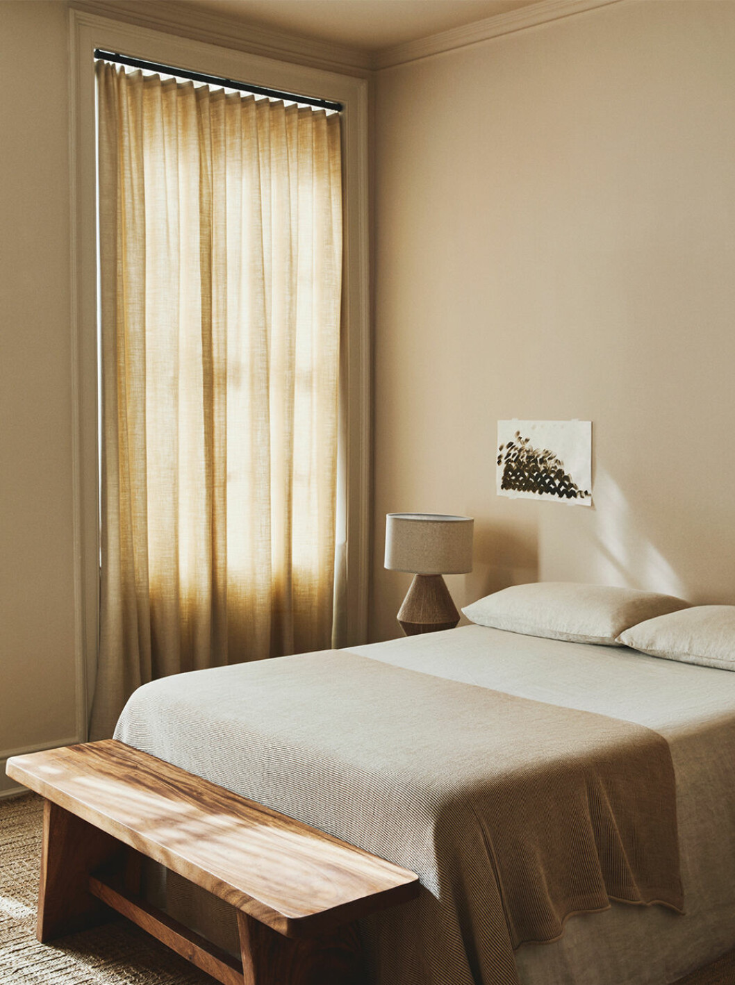 Sovrum i beige och naturmaterial hos Zara Home 2020